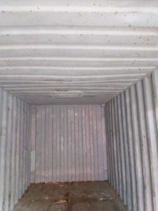 морской контейнер внутри