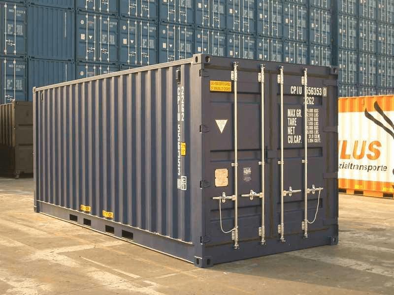 серый морской контейнер